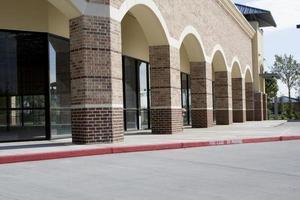 nieuw winkelcentrum (leeg) foto