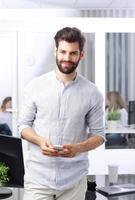 jonge casual zakenman foto
