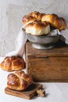 rond challahbrood foto