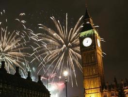 2013, vuurwerk boven de Big Ben om middernacht foto
