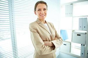 vrouw in kantoor foto