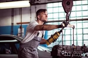 auto workshop werknemer foto