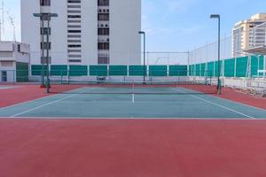 lege tennisbaan foto