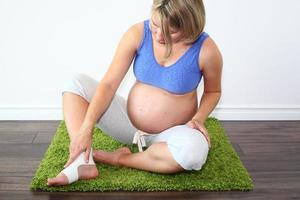 gezwollen voet tijdens de zwangerschap foto