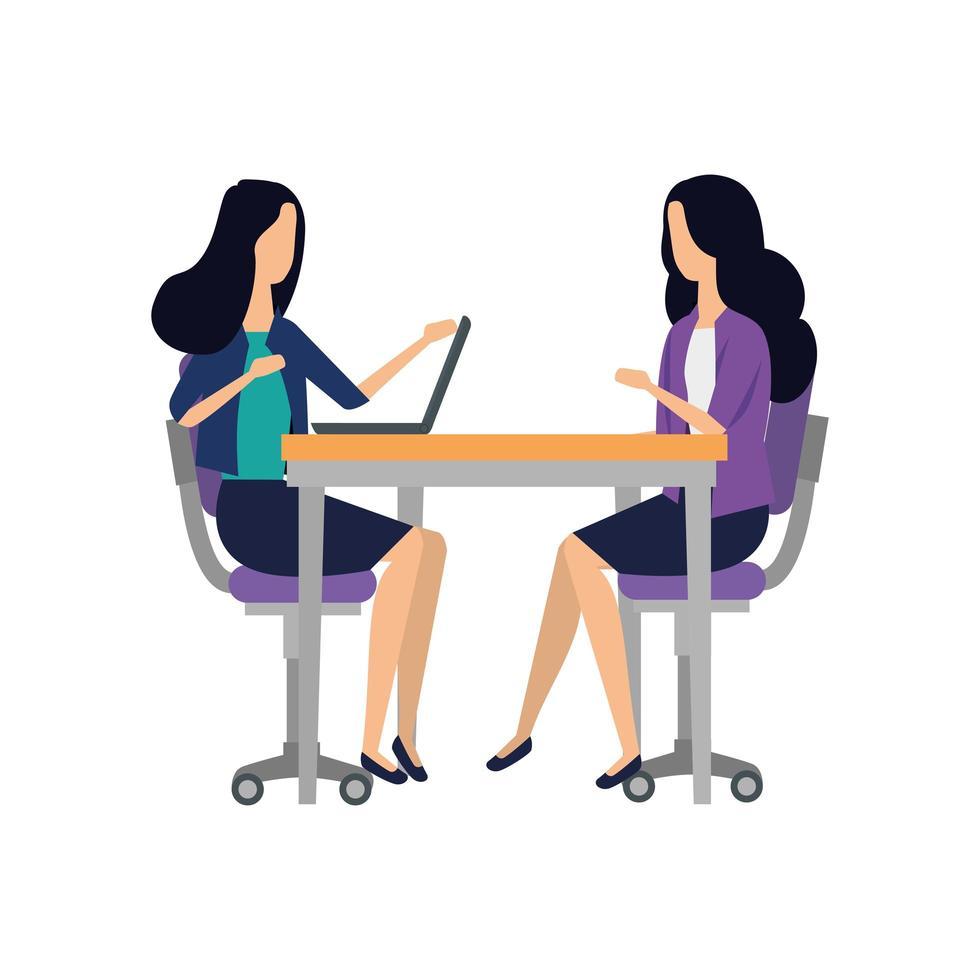 elegante vrouwelijke ondernemers die met laptop werken vector