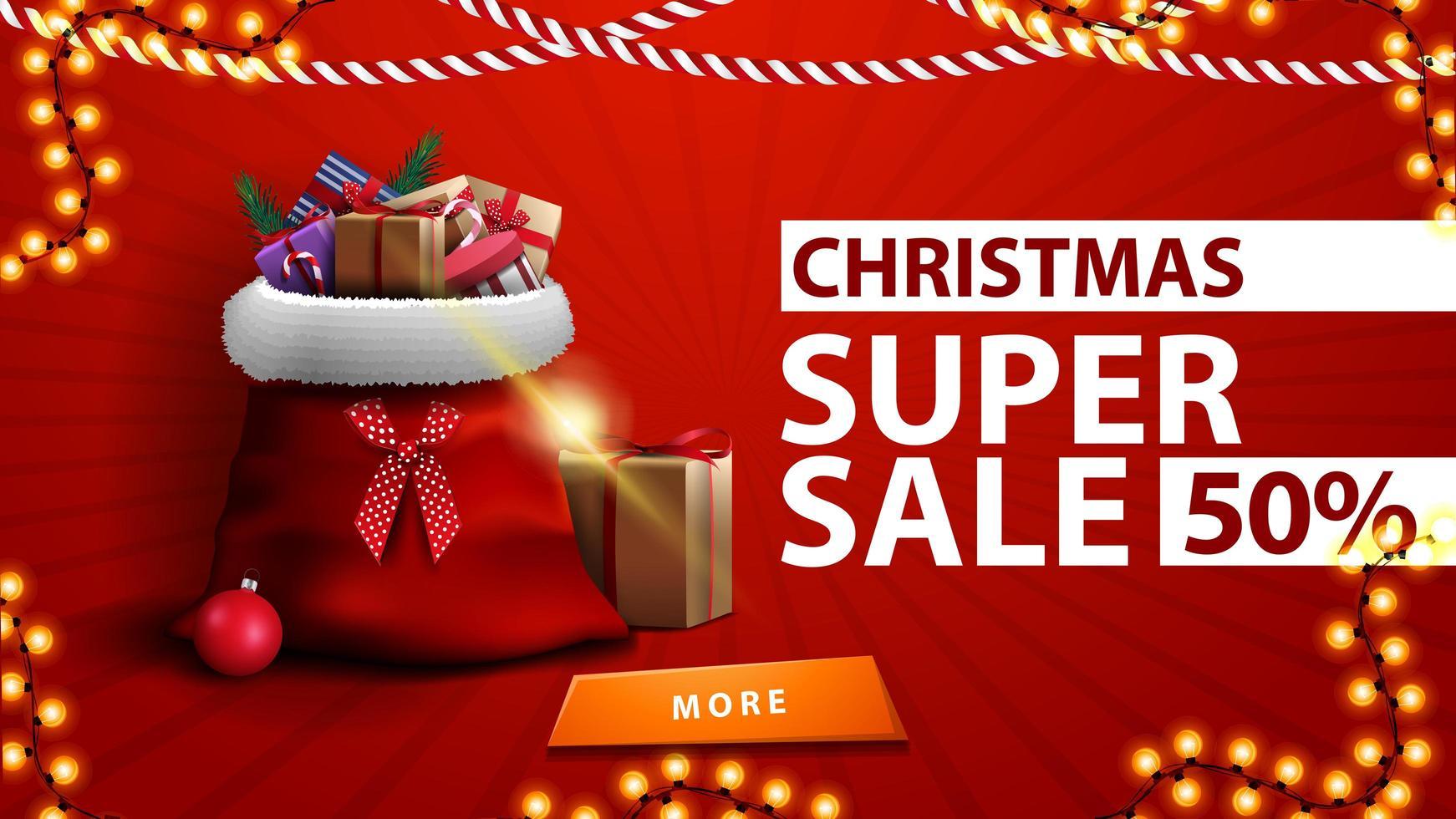 kerstsuperverkoop, tot 50 korting, rode kortingsbanner met kerstmanzak met cadeautjes bij de muur vector