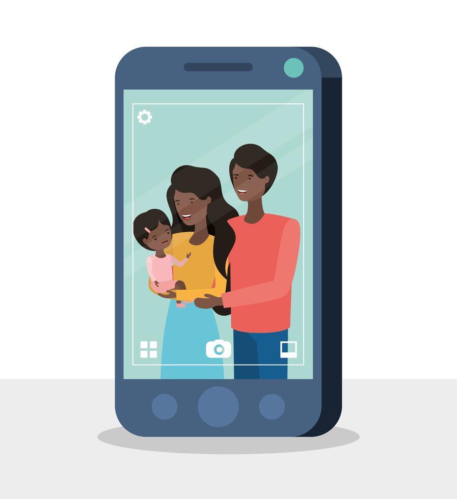 schattige afro familieleden met smartphone vector