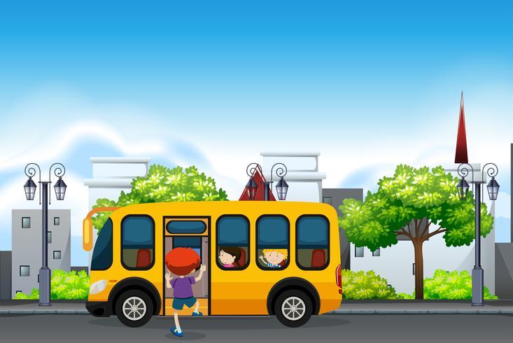Kinderen op een gele schoolbus vector
