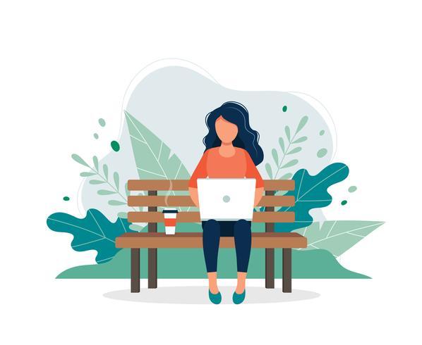 Vrouw met laptop zittend op de Bank vector