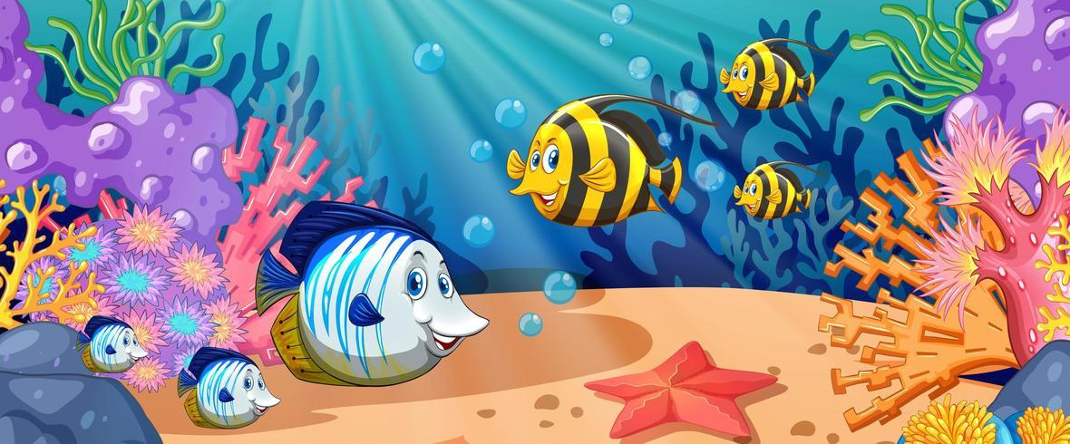 Cartoon vis zwemmen onder de oceaan vector