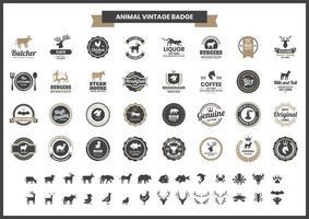 vintage badge set met vleermuis en andere dieren