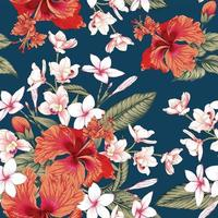 roze frangipani bloeit blauwe achtergrond.