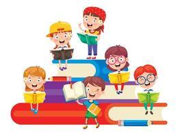 schoolkinderen lezen op stapel grote boeken