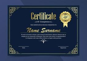 luxe blauwe en gouden certificaatsjabloon