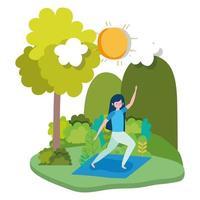 jonge vrouw doet yoga buitenshuis