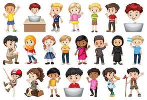 grote groep kinderen die verschillende activiteiten doen