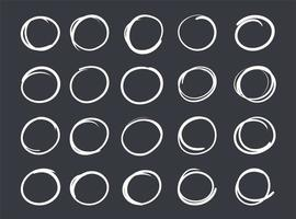 hand getrokken krijt geometrische cirkel set vector