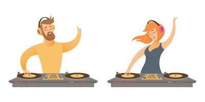 dj's die muziek spelen en mixen.