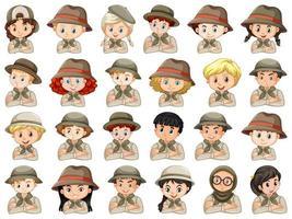 set van verschillende jongens en meisjes in scoutoutfits