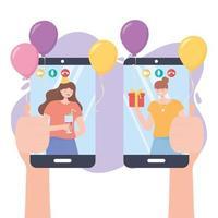 handen met mobiel en mensen in videogesprek