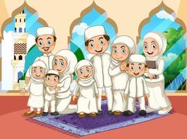 Arabische moslim grote familie bidden in traditionele kleding op moskee achtergrond
