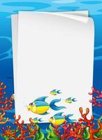 blanco papieren sjabloon met exotische vissen stripfiguur in de onderwaterscène