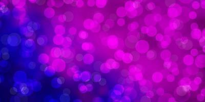 roze, blauwe achtergrond met bubbels.