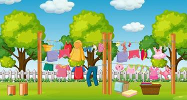 veel kleren hangen aan een lijn buiten de huisscène