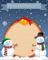lege houten plank met vrolijk kerst 2020-lettertype-logo en sneeuwpop in sneeuwscène vector