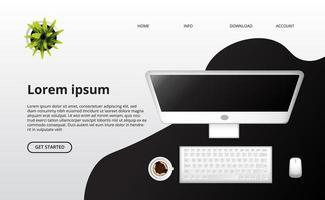 computer met toetsenbord, muis en kopje koffie