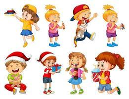 set van verschillende kinderen spelen met hun speelgoed