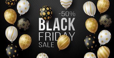 zwarte vrijdag verkoop horizontale banner met zwarte, witte en gouden glanzende ballonnen op zwarte achtergrond met plaats voor tekst. vector illustratie.