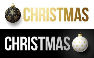 luxe trendy gouden typografie Kerstmis op een achtergrond met kerstbal. typografie met realistisch 3D-boomspeelgoed voor het ontwerpen van flyers, brochures, folders, posters en kaarten. vector illustratie