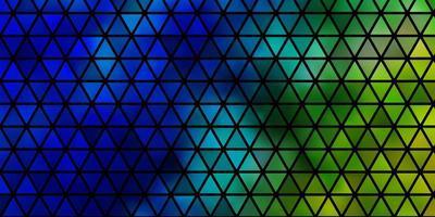 lichtblauwe, groene vectortextuur met driehoekige stijl. vector