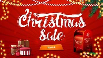 kerstuitverkoop, rode kortingsbanner met slingers, kerstboomtakken, knop, cadeautjes en kerstman brievenbus