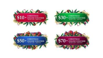 grote set kerstcadeaubonnen versierd met kerstboomtakken, snoepjes en slingers. verzameling van kerstcadeaubonnen op wit wordt geïsoleerd