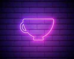 gloeiend neon koffiekopje pictogram op een donkere bakstenen muur achtergrond. lichteffect warme drank of caféteken. vector illustratie.