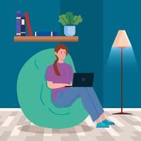vrouw die met een laptop op een poef werkt vector