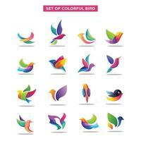 set van vogel logo. abstracte geometrische vogels pictogramserie. exotische kleurrijke vliegende vogel logo pictogramserie vector