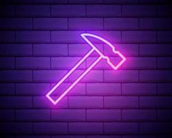 gloeiend neon lijn hamer pictogram geïsoleerd op bakstenen muur. tool voor reparatie. vector illustratie