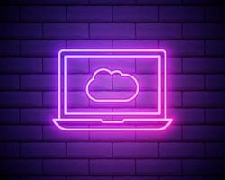 cloudtechnologie, software. laptop en cloud. technologielogo met diagonale lijnen en gekleurd verloop. neon grafisch, lichteffect. geïsoleerd op bakstenen muur vector