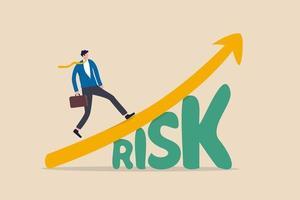 hoog risico hoog rendement aandelenmarktinvestering, afweging van risicovolle investeringsactiva die het groeirendementsconcept belonen, zelfverzekerde slimme investeerder die opgroeit beursgrafiek boven het woord risico. vector
