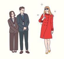 een modieuze vrouw loopt en het personeel bewondert. hand getrokken stijl vector ontwerp illustraties.
