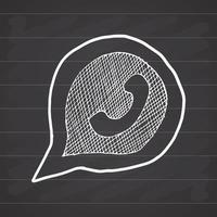 telefoontoestel in toespraak bubble hand getrokken pictogram, vectorillustratie op schoolbord achtergrond vector