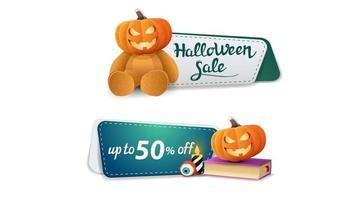 halloween-uitverkoop, tot 50 korting, twee aanklikbare kortingsbanner met teddybeer met jack-pompoenkop, spreukenboek en pompoenjack vector