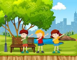 Kinderen dansen in het park vector