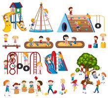 Set van kinderen op speelplaats vector