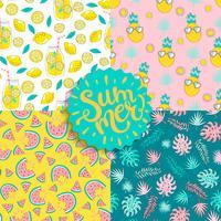 Set van kleurrijke naadloze zomerpatronen. vector