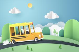 De kunst van het document van schoolbus die op landweg loopt, terug naar schoolconcept