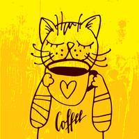 De kat drinkt een kop koffie op de gezellige gele achtergrond.